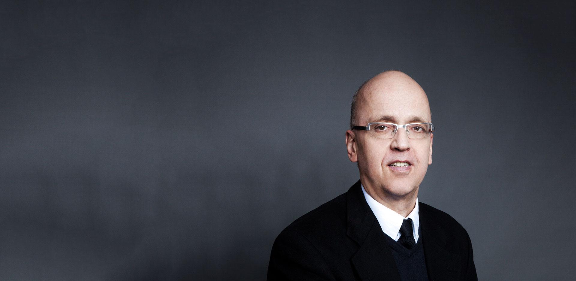 Dr. Tilman Clausen